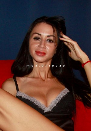 Milagros rencontre libertine escorte girl