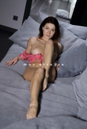 Barbara massage tantrique trans à Morlaix